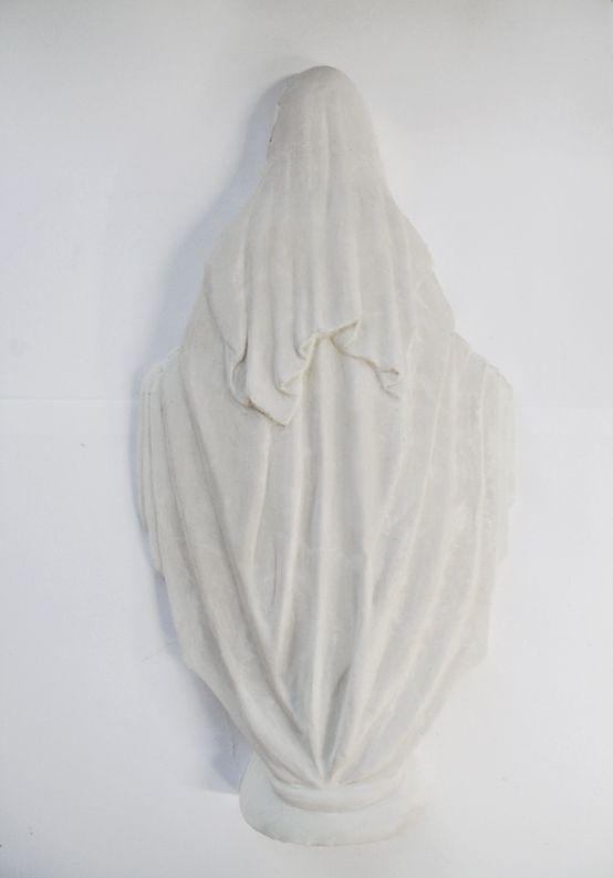 alicia-zaton-matka-2014-moulage-en-platre-fixe-au-mur-a-hauteur-d-homme-47x27cm-5-exemplaires-4040571932976e542d17466e368b3ea1