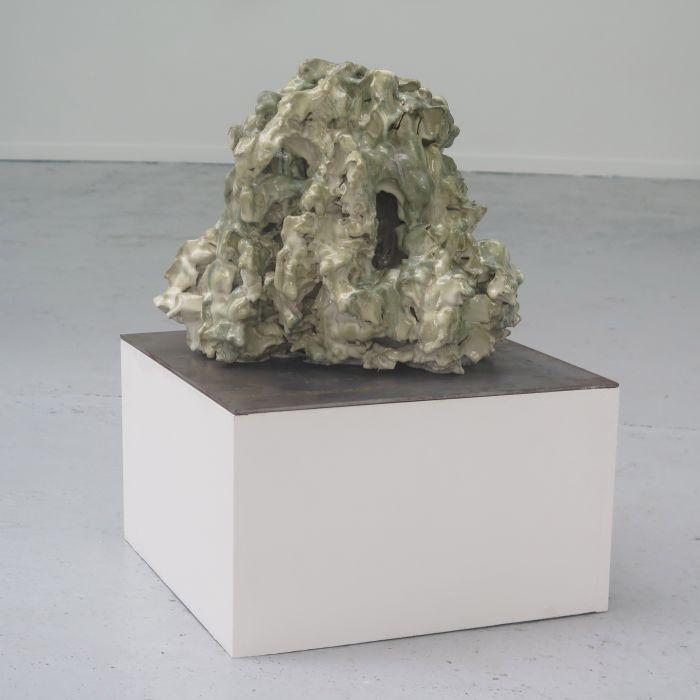 antoine-tarot-grotesque-gres-emaille-45x45x34-cm-2016-v1-bd-096364a35c80f7a393e45b1c9f1d4484
