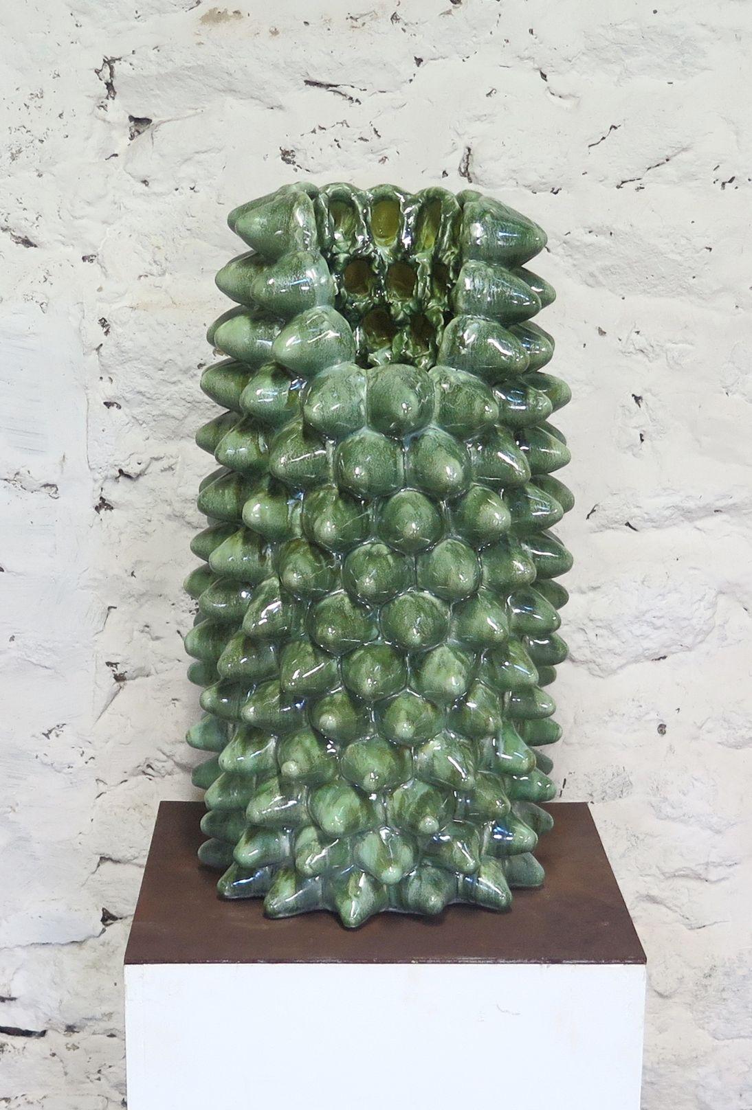 cuirasse-2018-porcelaine-emaillee-63-x-d.35-cm-8776f06ac3e806de64e7701338c471d8