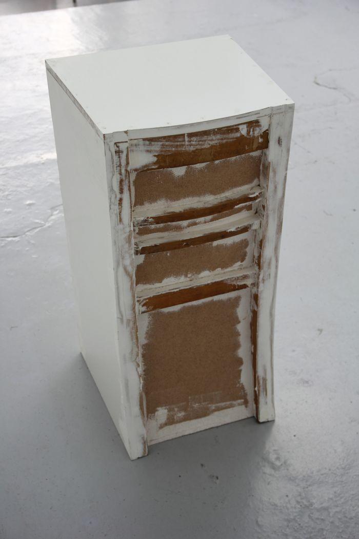 loic-blairon-sans-titre-chaise-2014-bois-et-enduit-86x44x42cm-4b6fb7db52d3b8b18f2dddb2cc6f2ec6