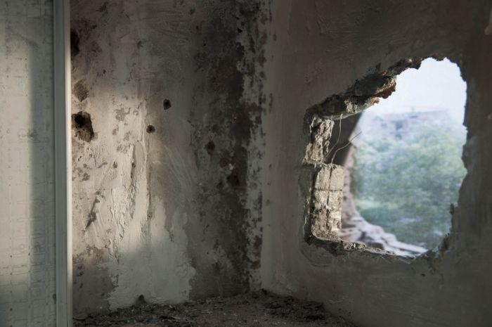 sara-acremann-la-breche-2010-installation-photographie-numerique-14.5x22cm-a0fd418144b79175417d168ece93d06d