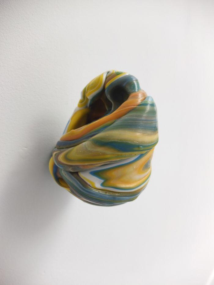 06-samuel-aligand-noeuds-2012-plastique-et-pigment-10x13x13cm-9aecf34176fd3f96df5e48d5d01a34d0