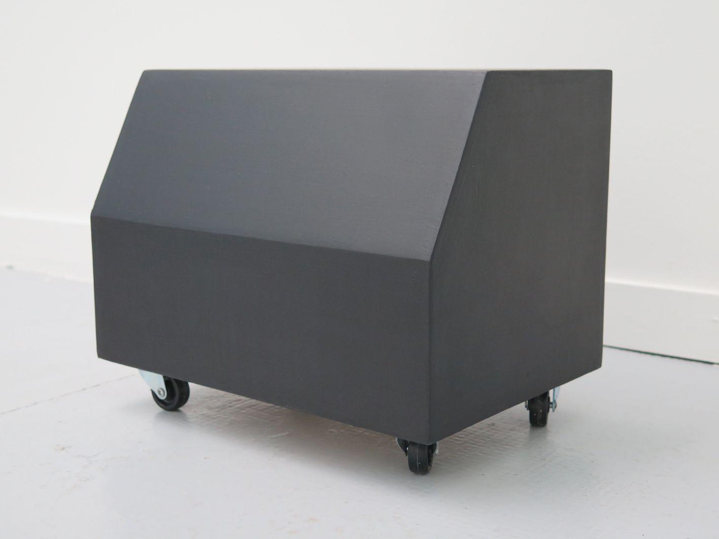 gilles-elie-atelier-mobile-2-2016-bois-peinture-acrylique-roulettes-25x60x25-cm-d7adaa7ef301cd365a0d46f00a494357