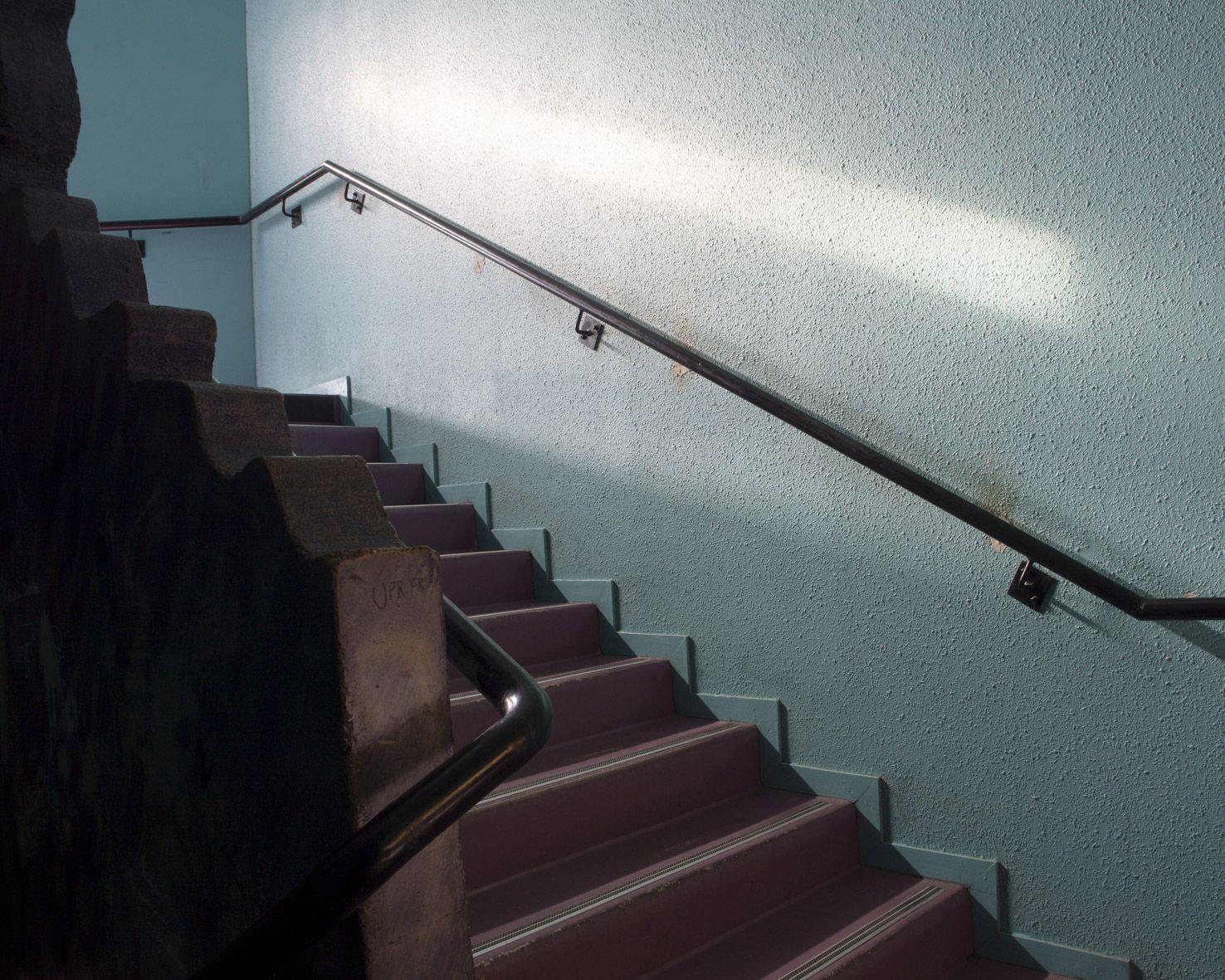 m.dearing-la-10-l-escalier-du-lycee-08867a3b58ffd343a1a2737d50657dd0