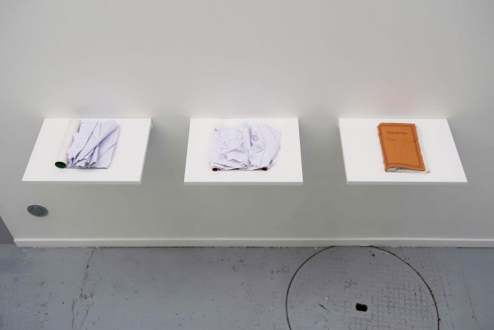 marco-godinho-written-by-water-selection-de-3-cahiers-plonges-a-differents-endroits-dans-la-mer-mediterranee-dimensions-variables-2013-2017-d242340fe9e97804a2e14ffc992054e7